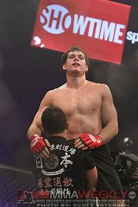 Strikeforce Results: Roger Gracie Earns Unanimous Decision ...