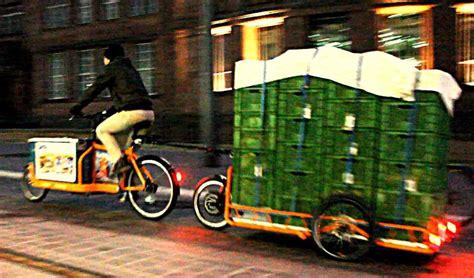 e bike anhänger carla cargo bringt lastenanh 228 nger mit e antrieb pedelecs und e bikes