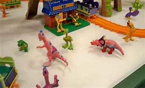Pics For > Einiosaurus Dinosaur Train