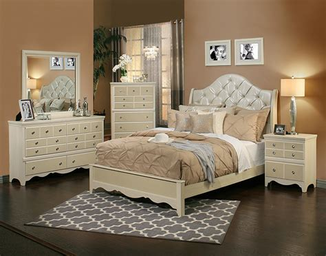 Marilyn Bedroom Furniture by The Marilyn Bedroom Set Collection