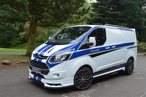 You might have seen ford world rally championship cars, but never have seen a transit in wrc guise in world rally championship. Orinario Ford Transit Custom Doppia Cabina - Cabina It