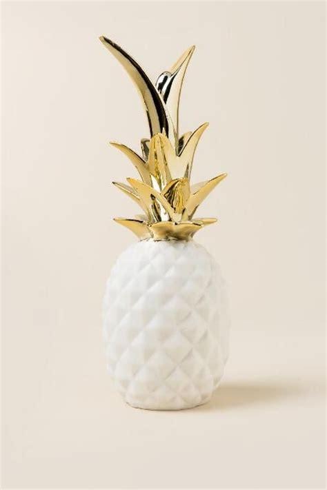 White Pineapple Decor by Best 25 Gold Bedroom Decor Ideas On Pinterest Rose Gold