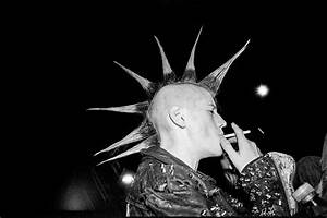 inside the warzone: photographing belfast's 90s punk scene ...