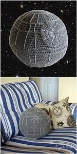 Star Wars Decke : crochet death star pillow that 39 s no moon crochet patterns i love pinterest h keln ~ Orissabook.com Haus und Dekorationen