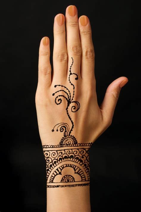 modele de henné exotism si traditie orientala 18 modele de tatuaje cu henna
