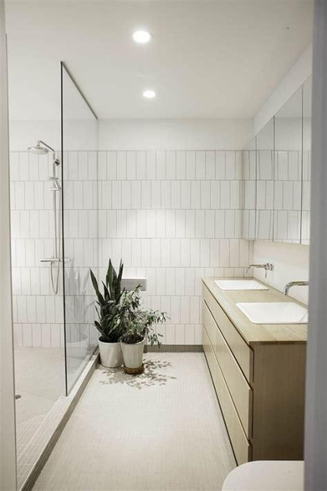 Holz Sauber Machen holz im bad bringt opulenz und w 228 rme mit verlangt aber