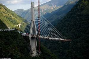 10 workers die in bridge collapse, Colombian officials say ...