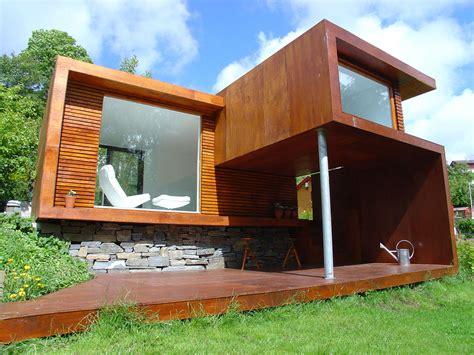 Small Wooden Modern House Design