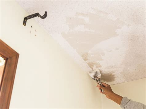Scraping Popcorn Ceiling Diy by How To Remove A Popcorn Ceiling How Tos Diy