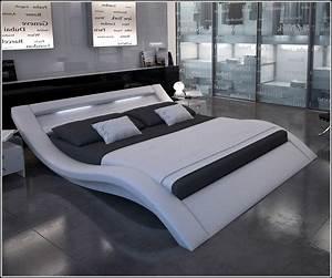 200 200 Bett : schlafzimmer mit bett 200x200 download page beste wohnideen galerie ~ Frokenaadalensverden.com Haus und Dekorationen