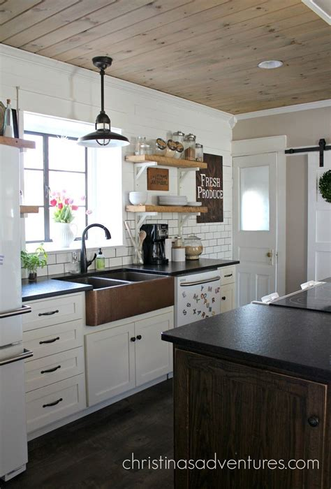 kitchens with copper sinks best 25 white farmhouse kitchens ideas on 6611
