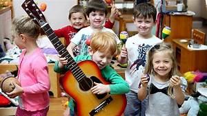 Helping Children Learn Through Music – My Musical English