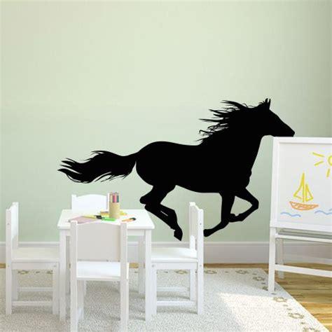 ideen schlafzimmer pferde die besten 25 wandtattoo pferd ideen auf
