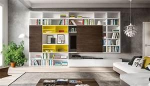 Parete Attrezzata A Spalla Con Libreria Dotata Di Ante E Due Basi Con Cassetti A Terra
