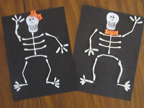 Preschool Crafts For Kids* Halloween Qtip Skeleton Craft