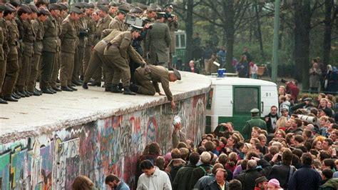 Mauerfall Deutschland Datum by Logo Die Wiedervereinigung Zdfmediathek