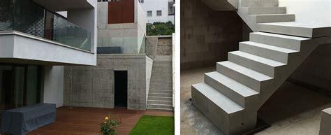 Podesttreppe Mit Wand by Exklusive Fertigteiltreppen Bei Treppen De Treppen Aus Beton