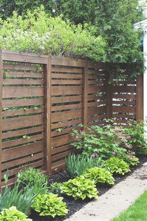 Backyard Wood Fence Ideas by 25 Best Ideas About Horizontal Fence On