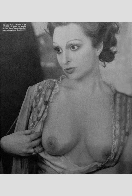 Naked Adriana Asti in The Phantom of Liberty