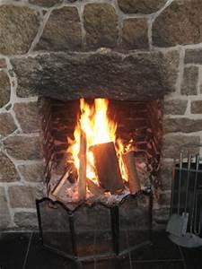 Offener Kamin Verboten : brennholz ausw hlen hacken und lagern ~ Frokenaadalensverden.com Haus und Dekorationen