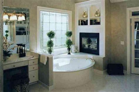 дизайн ванной с окном варианты оформления ремонт и