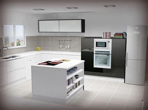 cocina  isla en blanco  negro semicolumnas  vitrinas