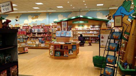 barnes and noble bloomington il barnes noble booksellers 20 foto e 10 recensioni