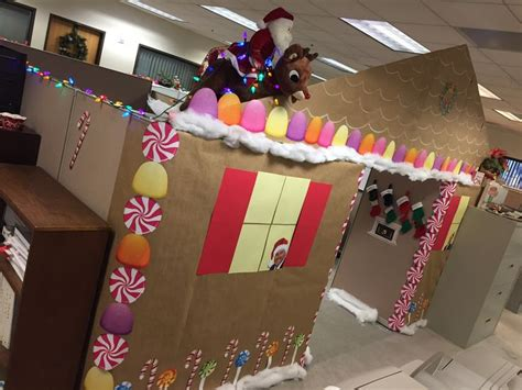 giner bread cubicle christmas decorations gingerbread house cubicle this is what happens when event planners only office supplies