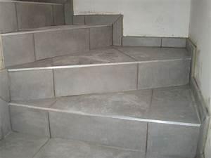Pose De Plinthe Carrelage : pose de carrelage dans un escalier gr crame extrieur x pose diagonale with pose de carrelage ~ Melissatoandfro.com Idées de Décoration