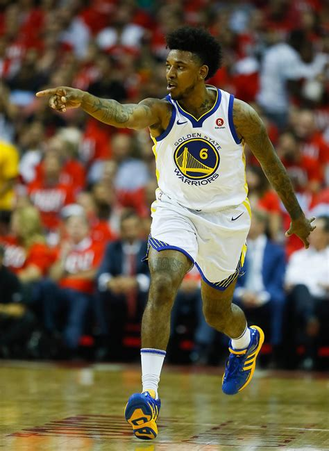 nick young  lift  bench  warriors game  win