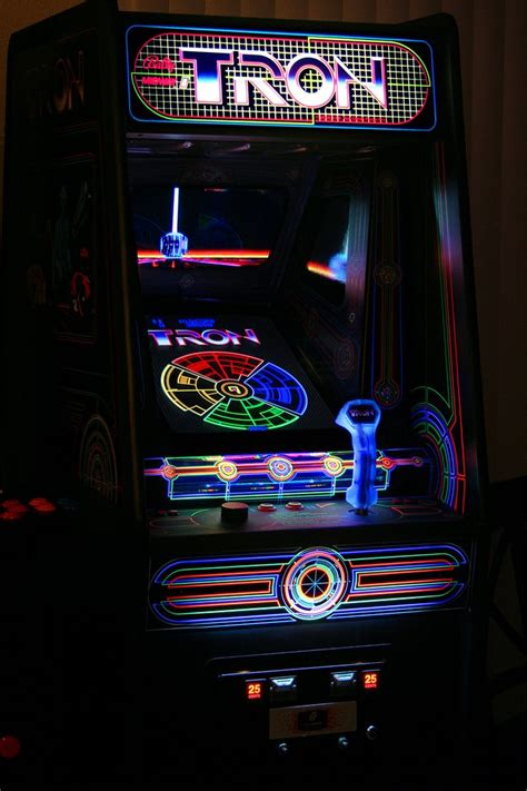 Madddscience The Famous Tron Arcade Game In The 1980s