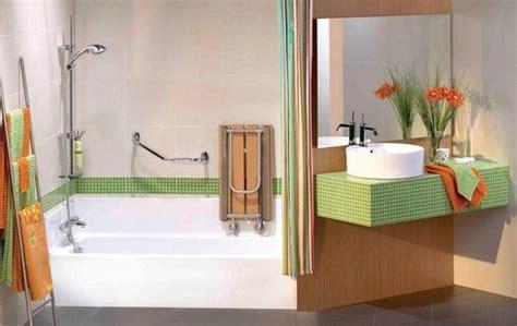 siege baignoire pour handicapé baignoire pour handicapé tout sur la baignoire pour