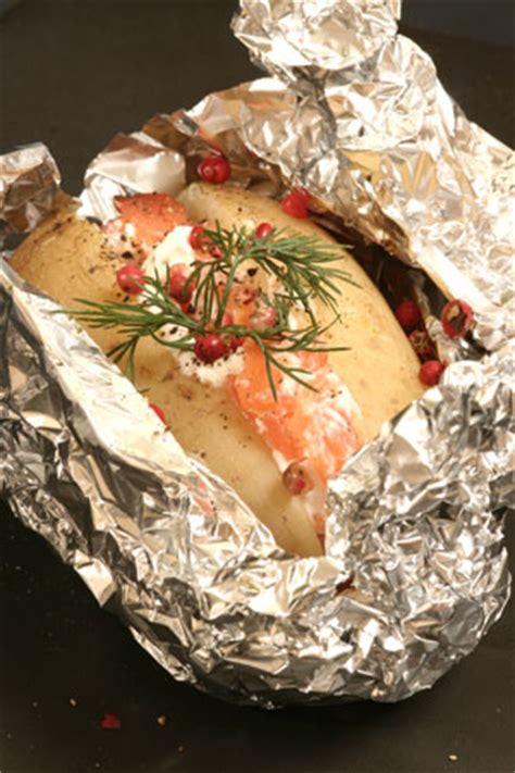 saumon cuisine recette pommes de terre en papillotes au saumon
