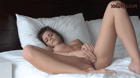 Wild Xxx Hardcore Girl Rubbing Pussy Masturbating Gifs