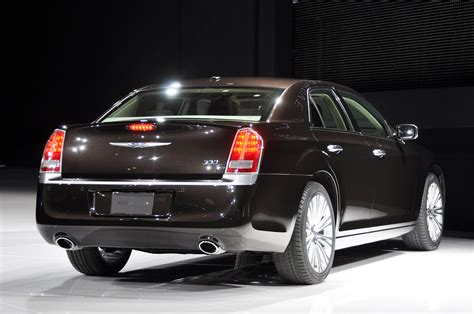 chrysler  luxury series car  catalog