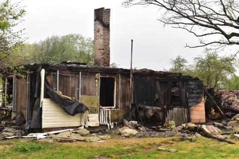 Lūdz palīdzēt ugunsgrēkā cietušai ģimenei