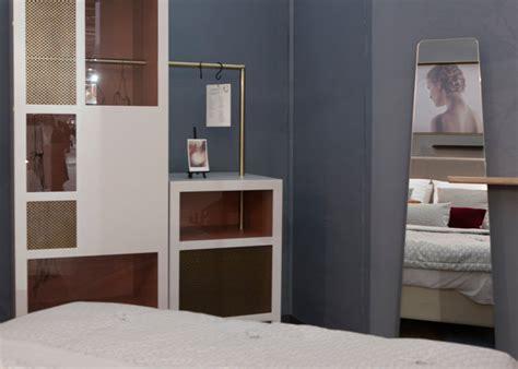 les meubles de la chambre dressing chambre d h 244 tel prototype mobilier les pieds