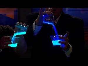 Liquid Light - Cool Science Experiment - YouTube