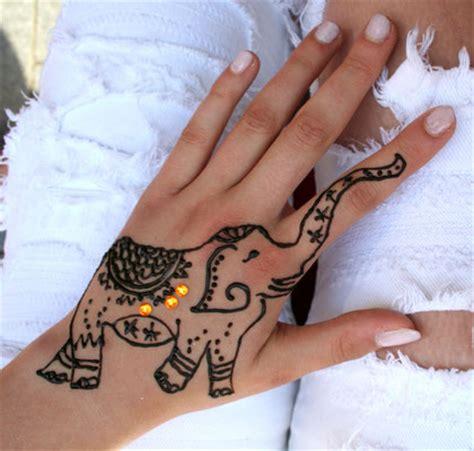 henna malerei freudenfest henna glittertattoo