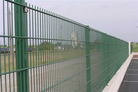 Das Tor Alles Ueber Die Oeffnung Im Zaun by Strug Graf Garagentore Z 228 Une Und T 252 Ren Beste Qualit 228 T