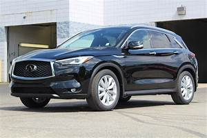 New 2019 INFINITI QX50 ESSENTIAL AWD Crossover in