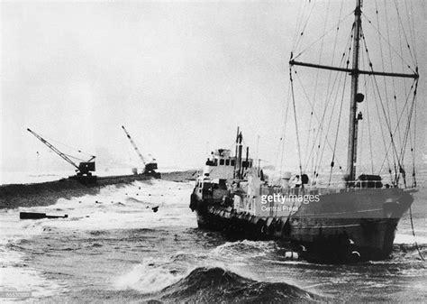 Pirate Radio Boat Uk by Radio Caroline S Pirate Radio Ship Mv Mi Amigo Runs