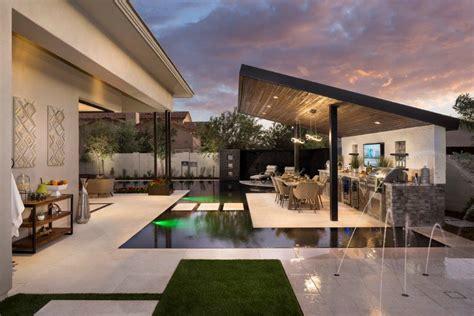 outdoor design trends buyers   builder magazine