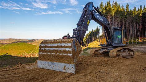 reasons     bolt  cutting edge   excavator buckets