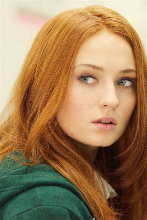 Beautiful Redhead Sophie Turner Known For Her Role In Hbos