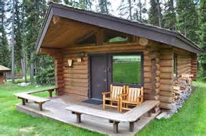Small Log Cabin Living