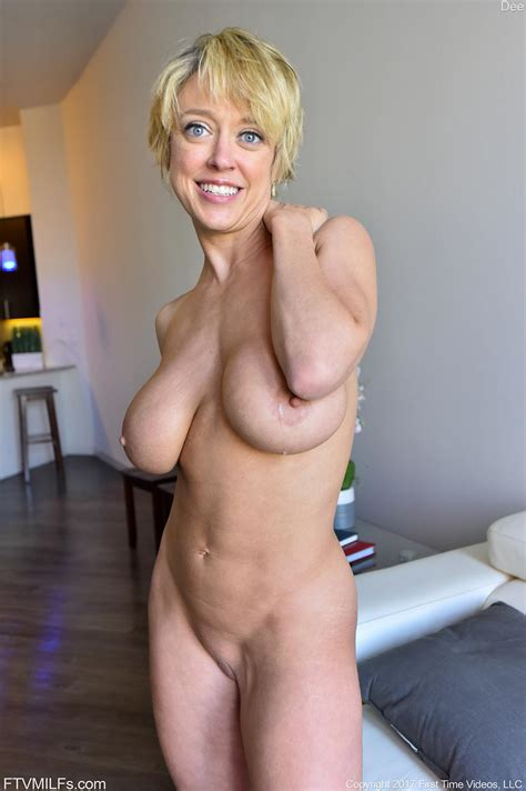 Busty Short Haired Milf Dee Posing Nude In Her Work Attire Coed Cherry