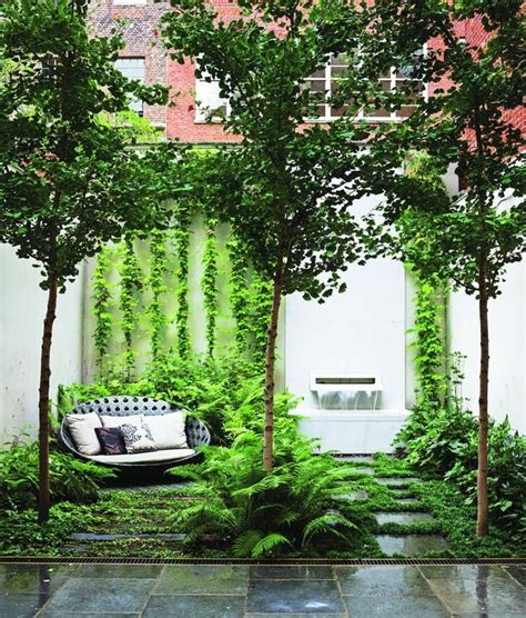 Garden Apartment Vs Townhouse by 17 Best Ideas About Townhouse Landscaping On