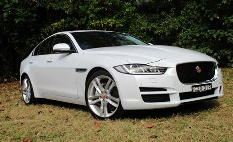 Review Jaguar Xe by 2016 Jaguar Xe Review A New Fast Cat Now On The Hunt