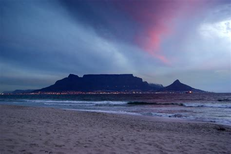 Panoramio - Photo of Table Mountain from Bloubergstrand ...